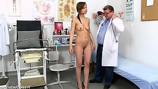 Young Tall Lassie With Juicy Sagging Tits Comes To Gyno Doctor