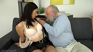 Kinky geezer enjoys fucking deep throat and wet pussy of young brunette Henna Ssy