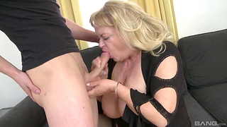 Fat mature gets her dose of dick from the nephew